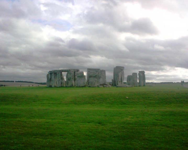 stonehenge-r48