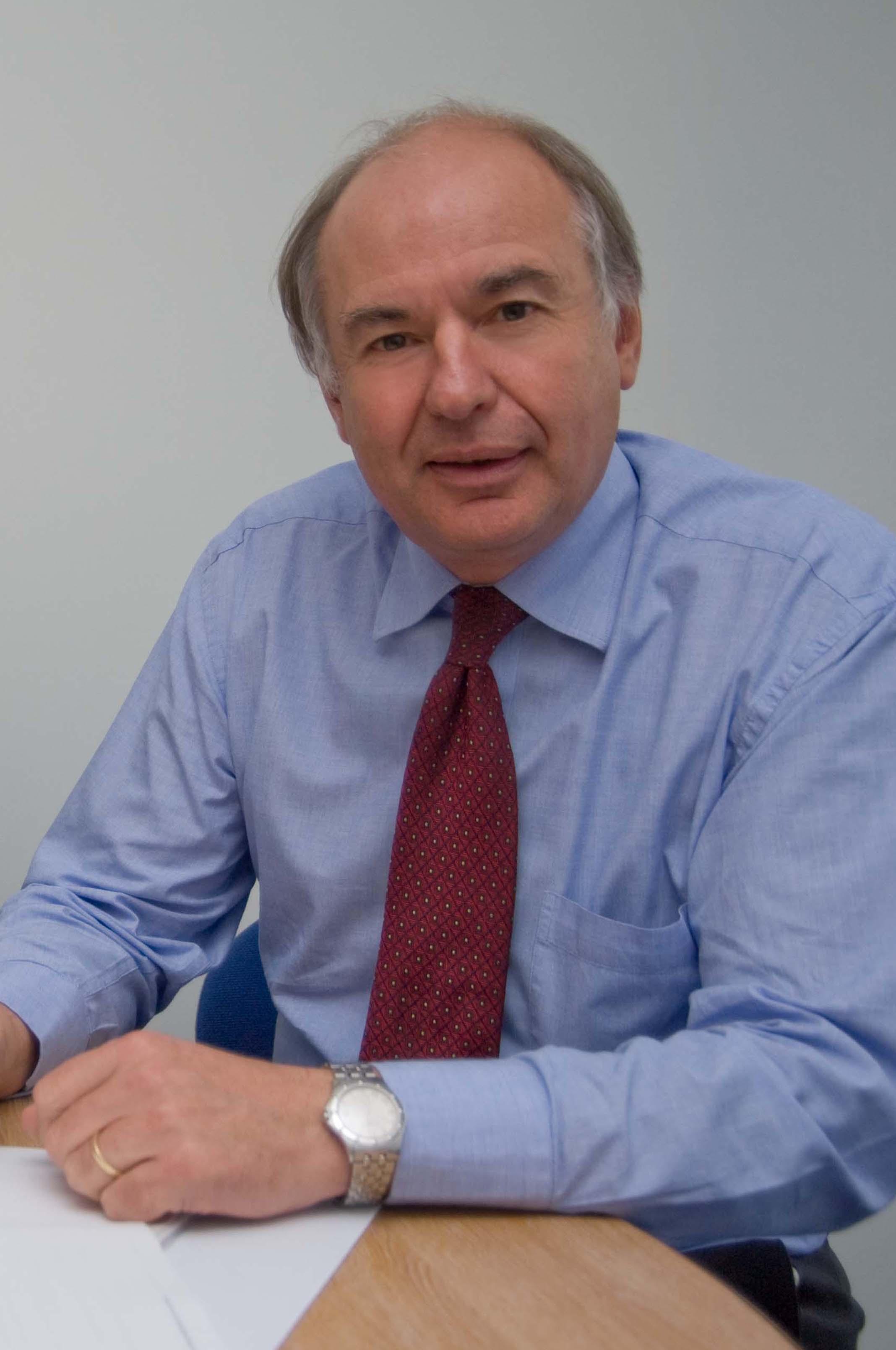 McIntosh Dr Robert CBE FICFor June13